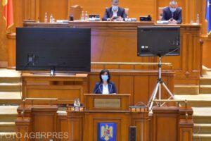 deputatii-au-dezbatut,-ieri,-motiunea-simpla-impotriva-ministrului-educatie