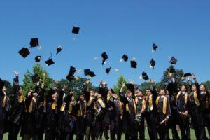 mures:-festivitate-de-final-de-liceu-transmisa-online