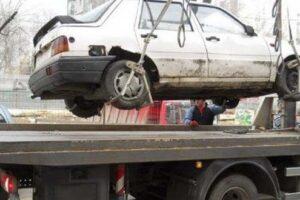 vehiculele-abandonate-in-parcarile-si-pe-drumurile-publice-vor-fi-ridicate