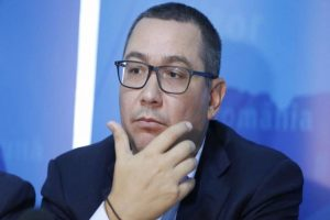 100%-tu-decizi!-victor-ponta,-premierul-copy-paste-la-virgula.-sinuciderea-care-i-da-fiori
