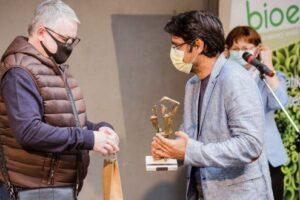 """theo-marton,-premiul-bioeel-pentru-cel-mai-bun-actor-al-anului-2019-la-compania-""""liviu-rebreanu"""""""
