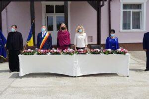 "prefectul-mara-toganel,-vizita-la-scoala-gimnaziala-""emil-dragan""-din-ungheni"