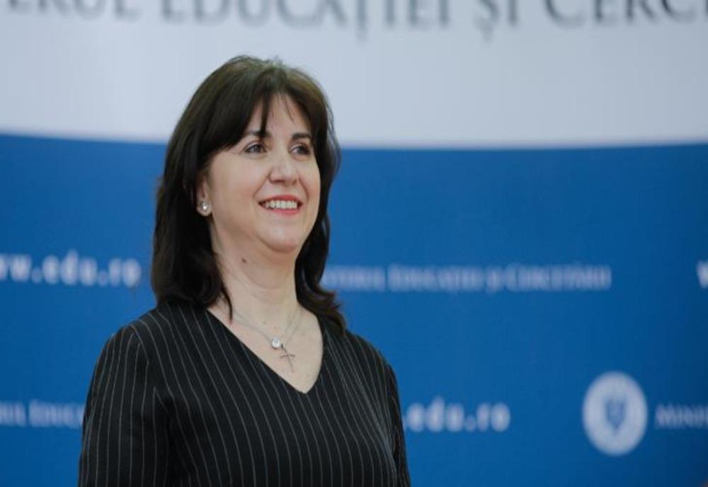 Monica Anisie, ministrul Educației și Cercetării, a decis ...   Monica Anisie
