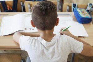 salvati-copiii-deschide-grupe-de-educatie-remediala-pentru-copii-din-brasov-si-mures