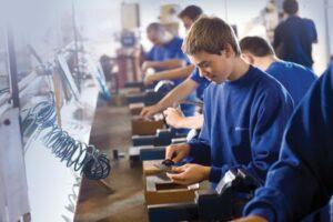 scolile-profesionale-promit-elevilor-burse-si-certitudinea-unei-cariere