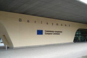 comisia-europeana-solicita-romaniei-combaterea-defrisarilor-ilegale