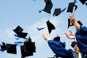 exclusiv!-ghidul-absolventului-de-liceu-2020-2021-–-zi-de-zi