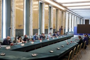 reprezentantii-guvernului-si-cei-ai-industriei-horeca-vor-elabora-impreuna-un-set-de-reguli-de-protectie-sanitara