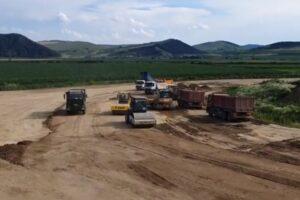 s-au-reluat-lucrarile-la-nodul-rutier-de-la-chetani,-pe-autostrada-transilvania