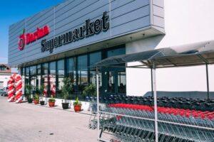 un-nou-supermarket-darina,-modern,-dotat-si-cu-linie-de-mancaruri-calde