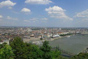 in-ungaria-au-intrat-in-vigoare-noi-reglementari-privind-accesul-cetatenilor-care-vin-din-tari-aflate-in-zone-galbene-sau-rosii