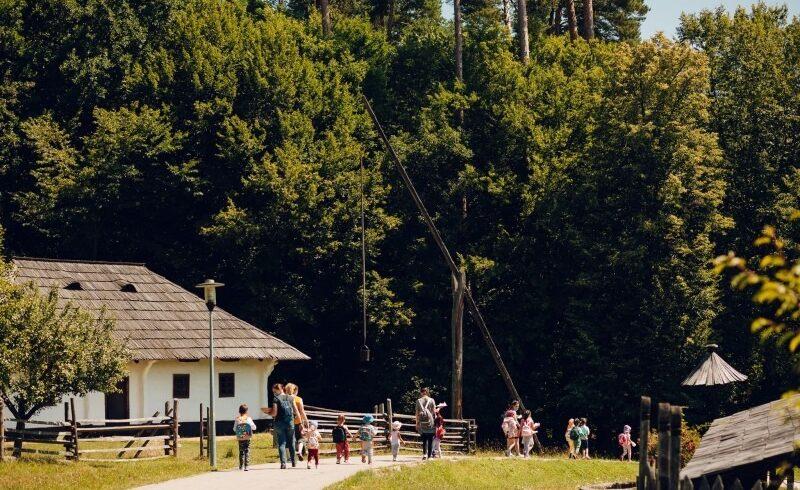 muzeul-in-aer-liber-astra-din-sibiu-le-propune-vizitatorilor-mai-multe-evenimente