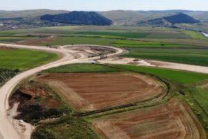 (video)-imagini-de-pe-santierul-lotului-3-al-autostrazii-ogra-–-campia-turzii