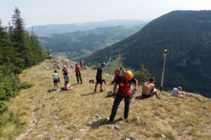 muntii-romaniei,-invadati-de-turisti-fara-experienta