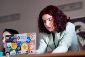 consiliul-national-al-elevilor-solicita-asigurarea-accesului-la-internet-pentru-toti-copiii-si-tinerii-care-merg-la-scoala