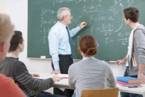 mai-multi-profesori-au-plecat-din-invatamant-de-teama-epidemiei-de-covid