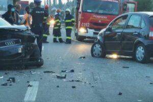 drum-blocat-in-livezeni,-accident-rutier