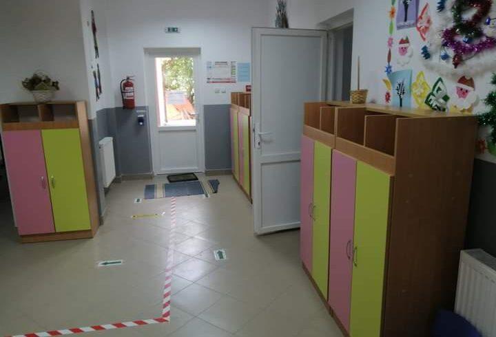 opt-unitati-scolare-din-covasna-in-scenariul-rosu
