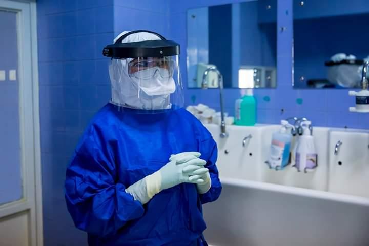 medic-infectionist:-e-aproape-imposibil-de-facut-diferenta-intre-simptomele-de-infectii-respiratorii-si-cele-de-covid