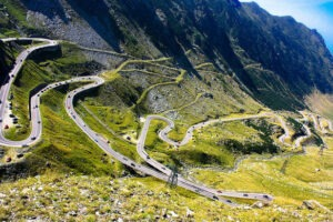 compania-de-drumuri-cauta-din-nou-solutii-tehnice-pentru-ca-transfagarasanul,-cel-mai-frumos-drum-din-romania,-sa-ramana-deschis-tot-anul