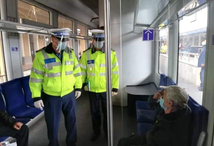 politistii-si-au-intensificat-controalele-in-zonele-aglomerate-pentru-a-verifica-modul-in-care-oamenii-poarta-masca-de-protectie