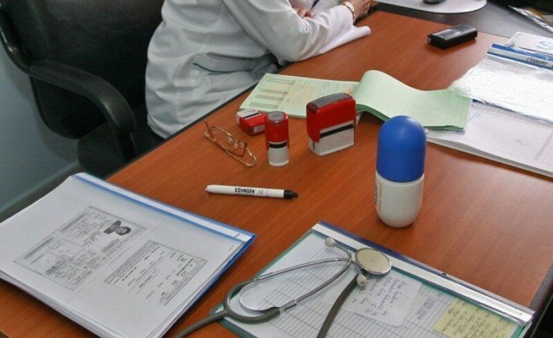 medicii-de-familie-cer-retragerea-ordinului-prin-care-sunt-obligati-sa-monitorizeze-bolnavii-de-covid