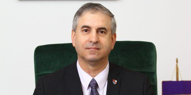 senat:-alexandru-cimpeanu-solicita-dezbatere-ampla-si-consens-pe-legile-importante
