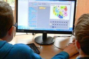 noutati-despre-strategia-pentru-digitalizarea-educatiei-romanesti