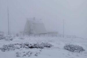 in-muntii-calimani-a-nins!-vine-iarna!