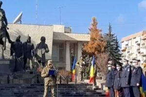 la-sfantu-gheorghe,-ziua-nationala-a-fost-marcata-printr-un-ceremonial-militar-si-depuneri-de-coroane-de-flori