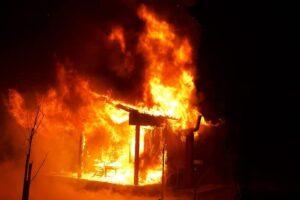 sibiu:-o-cabana-de-langa-avrig-a-ars-aproape-in-totalitate