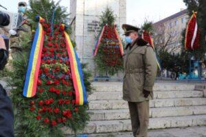 video:-depuneri-de-coroane-de-flori-la-statuia-soldatului-necunoscut