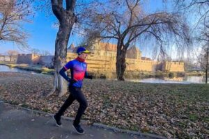 un-tanar-a-alergat-peste-doua-maratoane-in-jurul-cetatii-fagarasului
