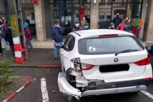 foto:-cinci-persoane-ranite-intr-un-accident-petrecut-in-reghin!-doua-au-ajuns-la-spital