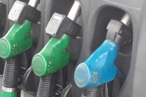 benzina-si-motorina-se-vor-scumpi-in-medie-cu-sase-bani-pe-litru-la-pompa