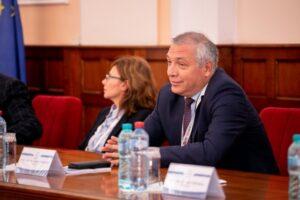rectorul-umfst-tg.mures:-nu-se-poate-face-performanta-in-cercetare-fara-finantare-corespunzatoare