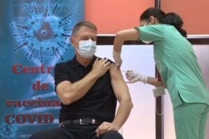presedintele-klaus-iohannis-s-a-vaccinat-impotriva-covid-19!