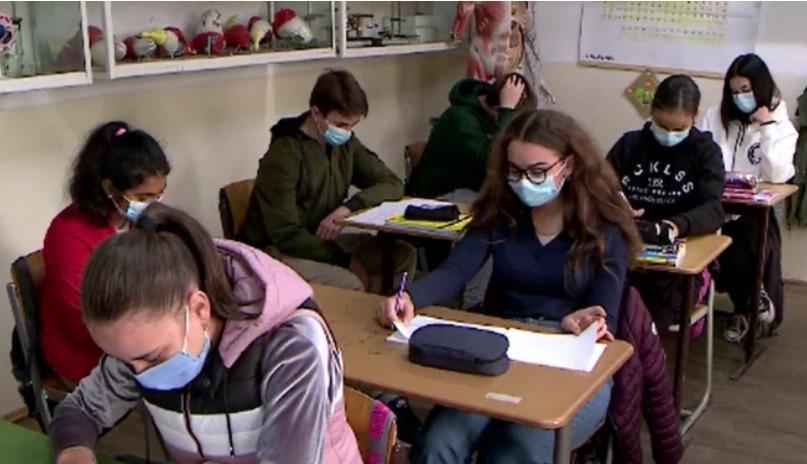 ministrul-educatiei:-jumatate-dintre-elevi-s-ar-putea-intoarce-in-scoli-din-8-februarie!