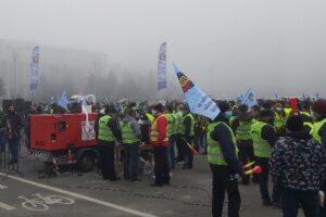 politistii-protesteaza,-din-nou,-fata-de-masurile-de-austeritate-bugetara-promovate-de-guvern,-in-15-locuri-din-bucuresti