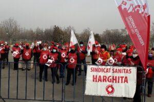 sindicalistii-federatiei-sanitas-picheteaza-azi-parlamentului-romaniei