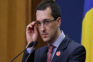 ministrul-vlad-voiculescu-anunta-ca-elevii-nu-vor-face-ore-de-sport-cu-masca-pe-fata-in-exterior