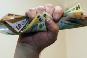 costul-orar-al-fortei-de-munca-a-crescut-cu-9-%,-in-semestrul-iv-din-2020