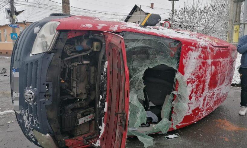 strada-apalinei-din-reghin-blocata-din-cauza-unui-accident-intre-trei-autoturisme