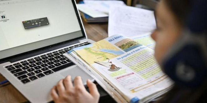 cat-i-a-costat-pe-parinti-scoala-online