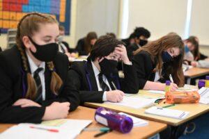 trimestrele-ar-putea-fi-reintroduse-in-anul-scolar,-potrivit-unei-propuneri-a-ministerului-educatiei