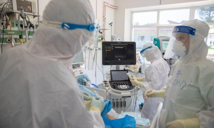 o-aeronava-militara-configurata-pentru-misiuni-medicale-a-transportat-de-la-bucuresti-la-iasi-patru-pacienti-covid