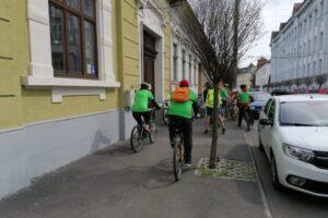 mures:-sute-de-biciclisti-pedaleaza-si-doneaza-si-azi