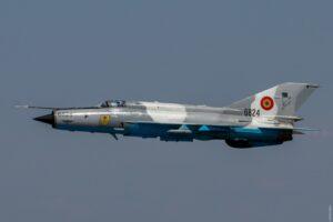 avion-mig-21-de-la-baza-militara-din-campia-turzii-prabusit-intr-un-sat-din-judetul-mures!-pilotul-s-a-catapultat