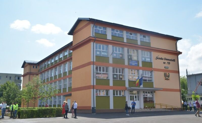 scolile-si-liceele-din-municipiul-brasov-trec-in-scenariul-1