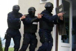 politistii-din-mures-efectueaza-perchezitii-domiciliare-in-6-judete,-la-persoane-banuite-de-proxenetism